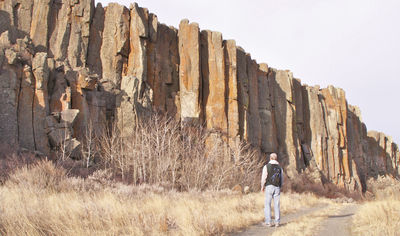 Figure 2.11: Columnar jointing at Snake Butte, an exposed igneous sill located on the Ft. Belknap Reservation in Montana.