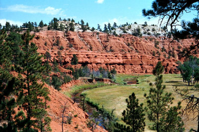 Figure 2.7: The Spearfish Formation is cut by the Bell Fourche River near Devils Tower National Monument, Wyoming.