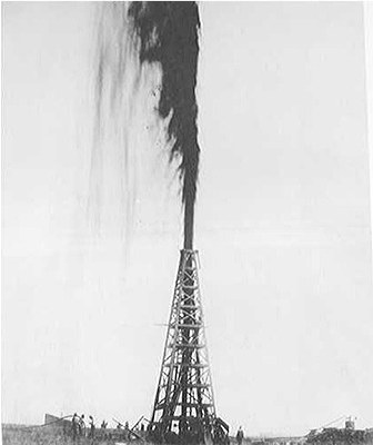 Figure 7.13: The Lucas Gusher at Spindletop in 1901.