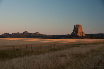 Figure 2.10: Devils Tower and the Missouri Buttes at sunrise.